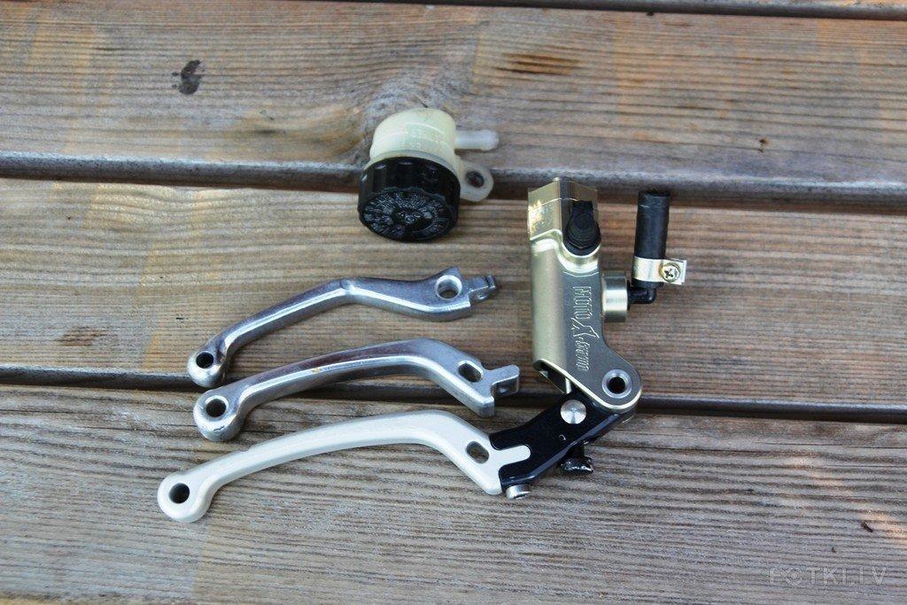 MotoXtreme 16mm radial CNC brake master cylinder